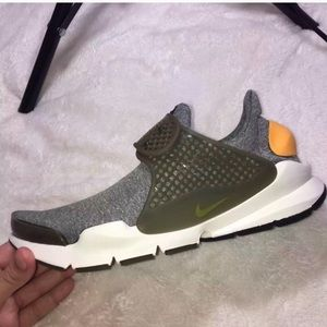 Nike Dart Sneakers